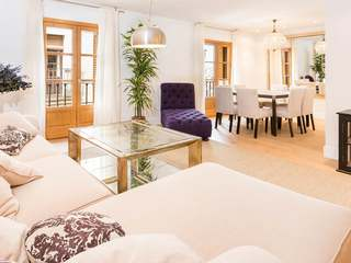 Newly renovated penthouse for sale in Barcelona Old Town