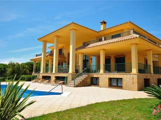 Magnificent 6 bedroom Villa is situated in Sotogrande.