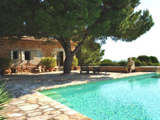 Beautiful country house for short-term rental in east of Mallorca.