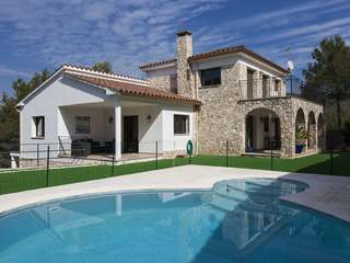 Great family home with a pool in Mas Mestre, Sitges
