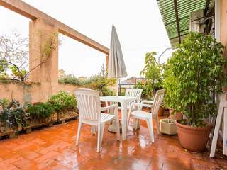 Penthouse apartment with a 40 m² terrace to buy in Gracia