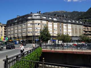 3 bedroom apartment to buy in the center of Andorra