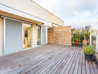 3-bedroom penthouse with large terrace for sale in Eixample