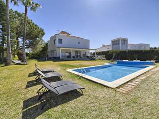 Spectacular 8-bedroom luxury villa to buy in Nueva Andalucia
