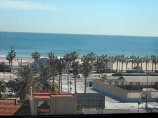 Apartment to renovate in Playa de la Malvarrosa, Valencia city
