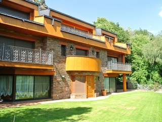 Spectacular classic chalet for sale in Andorra la Vella