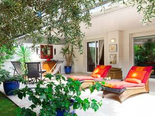 Beautiful garden apartment for sale next to beach in Sitges