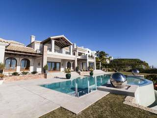 Brand new luxury villa for sale in Los Flamingos, Benahavis