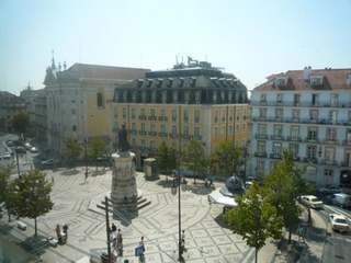 1 bedroom apartment to buy in prestigious Chiado