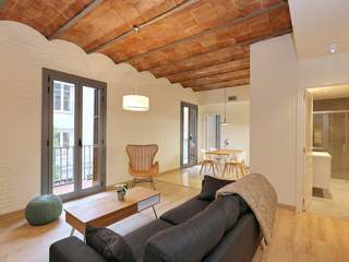 Beautifully renovated 96 m² apartment for sale in Poble Sec
