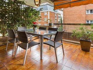 Sensational apartment with terrace for sale in Zona Alta
