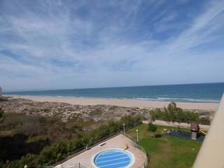 Beachfront apartment for rent in Perellonet, Valencia