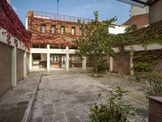 Casa adosada de 6 dormitorios en venta en El Masnou