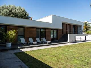 Modern minimalist villa for rent in Alfinach, Valencia