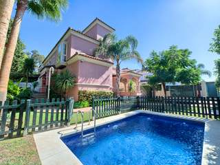 Semi-detached villa for sale in Lorea Playa residential area
