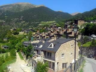 Large 5 bedroom townhouse for sale in Andorra