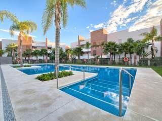 Apartment with seaviews for sale in Los Arqueros, Benahavis