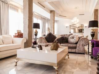 Designer apartment for sale in Eixample, near Avenida Reino
