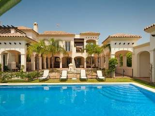 6 bed beach side, for sale, Bahia de Marbella, Marbella.