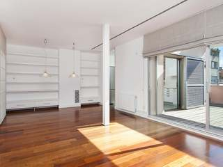 Penthouse with terrace for sale in Eixample, Consell de Cent
