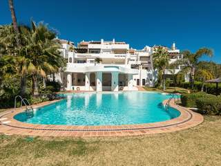 Luxury duplex penthouse for sale in La Quinta Golf, Marbella