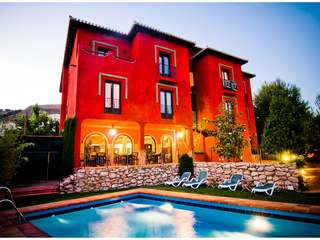 Beautiful boutique hotel for sale in Granada by the Alhambra