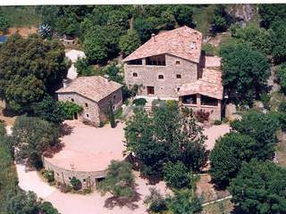 Stunning house on a 7.8ha plot for sale in Llora, Girona