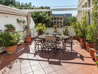 Apartment with fantastic terrace for sale in Valencia