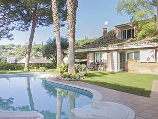 5-bedroom house to buy on the Maresme Coast, near Barcelona