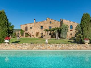 Renovated country house in the Baix Empordà for sale