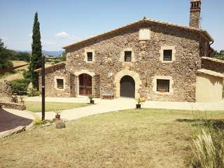 Country house for sale near Girona
