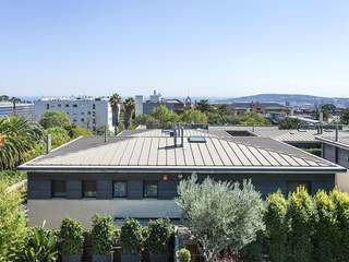 Semi-detached corner property to rent in Barcelona Zona Alta