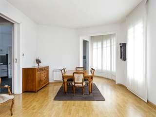 192 m² 6-bedroom apartment for sale on Calle Mallorca