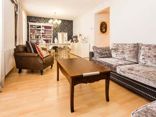 Apartment for sale on Calle Casanova in Eixample, Barcelona