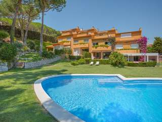 5-bedroom terraced house for sale in Calella de Palafrugell
