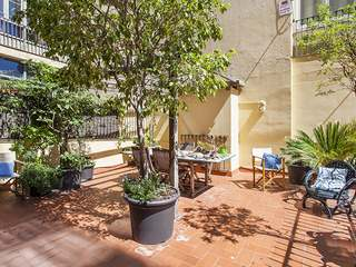 3-bedroom apartment with a large terrace to rent in Eixample