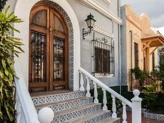 Villa de 5 dormitorios con un jardín en venta en Valencia
