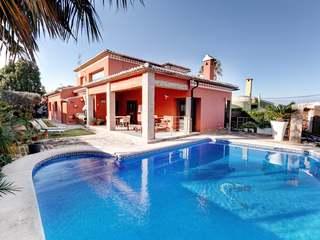 Villa con vistas al mar, en venta en Montgó, Dénia