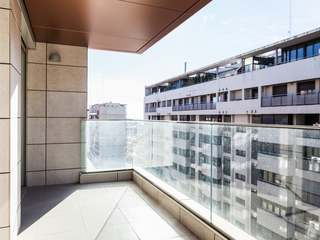 3-bedroom apartment to buy in modern district of Valencia