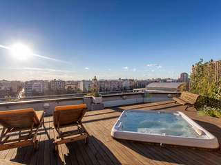 Exclusive penthouse for sale on Paseo de la Alameda