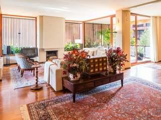 Large, elegant apartment for sale in Barcelona's Zona Alta