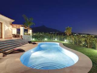 Great 5-bedroom villa for sale in Nueva Andalucia, Marbella