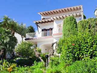 Villa for sale in Sitges with magnificent sea views