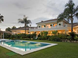 6-bedroom villa for sale in Nueva Andalucia, Marbella