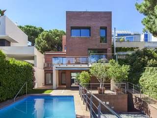 Casa de lujo en alquiler en la Zona Alta de La Bonanova de Barcelona