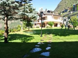 Impressive luxury villa to renovate, for sale in Andorra