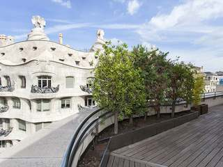 Penthouse with terrace for sale on Paseo de Gracia
