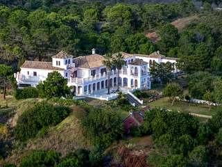 Country estate for sale in Estepona and Benahavis, Málaga, Spain