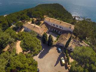 An historic first line Costa Brava property to buy