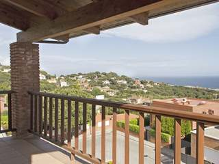 House for sale with sea views on the Maresme Coast